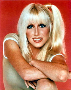 05 Suzanne Somers