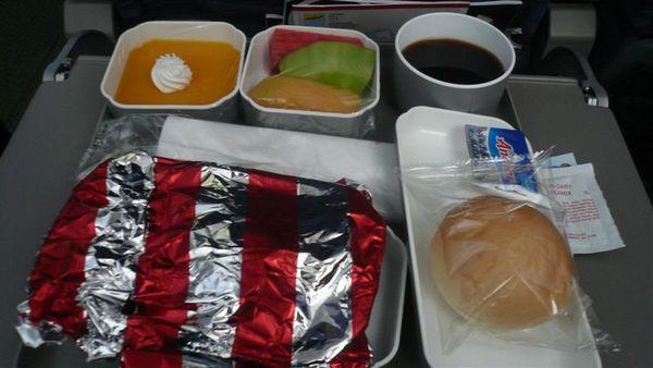 航空提供的早午餐 狠漂亮吧