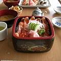 今天的午餐是湖畔一家日本餐廳