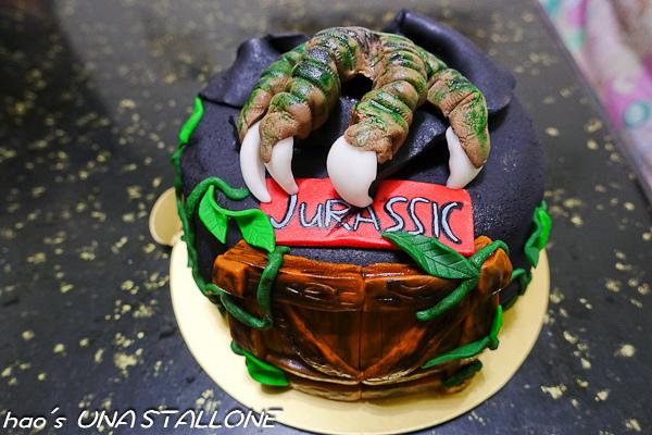 【網購美食】Una Stallone Baking Studio - 中看中吃,Jurassic侏羅紀恐龍蛋糕、點點風草間彌生杯子蛋糕(邀約)
