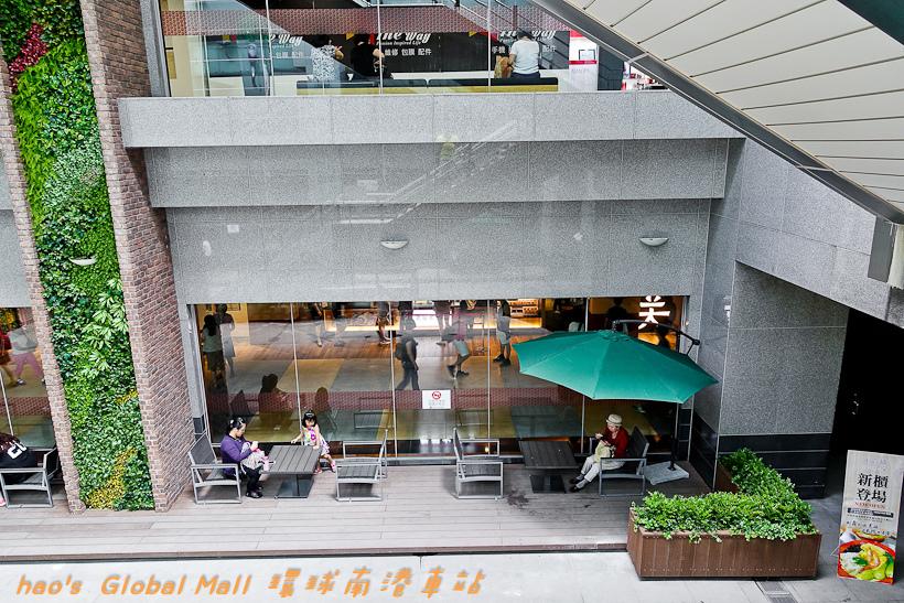 201607Global Mall 環球南港車站085