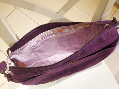 紫色石蠟帆布側背包2.jpg