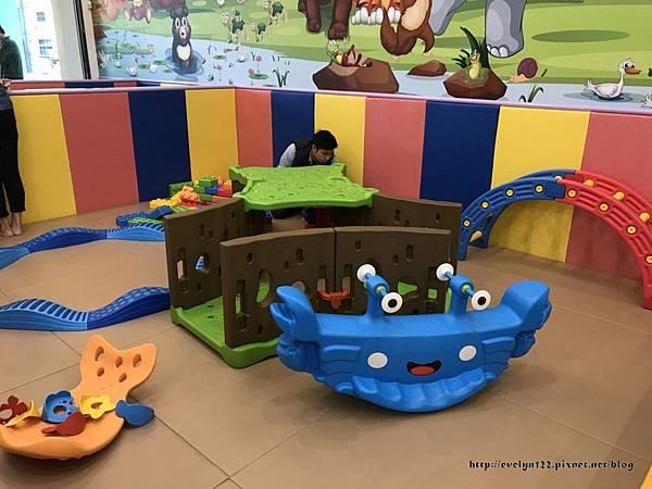 大型玩具區21.jpg