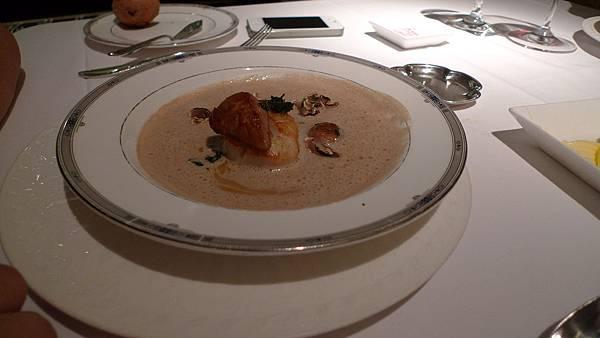 鵝肝菌菇卡布奇諾濃湯 (也是超好喝)