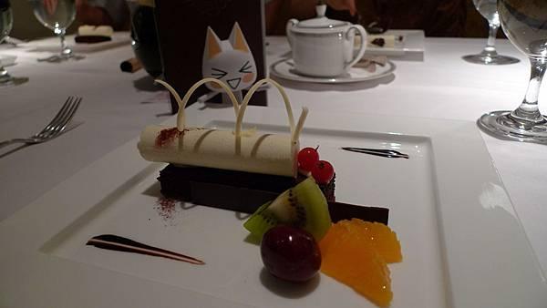 香草慕斯 + 巧克力蛋糕