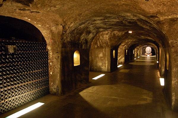 Epernay_Champagne_Moet_Chandon_Cave