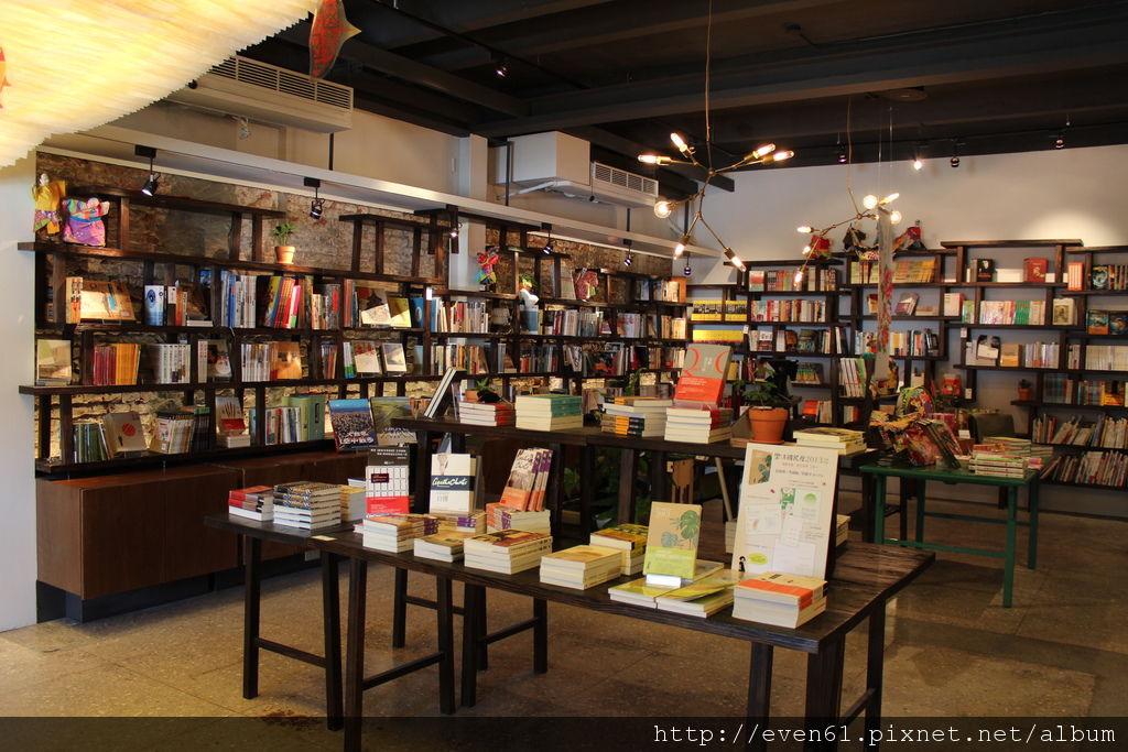【是書店,也是個記憶的空間│遠流別境 libLAB 】