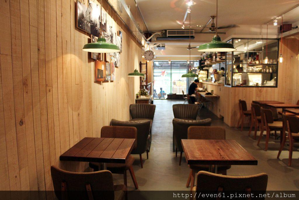 許多人都知道,民生社區的樂樂咖啡,因為是間很溫馨的咖啡店所以深受許多朋友喜愛,而近期他們也在東區巷弄裡開了第二家分店,
