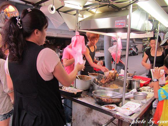宜蘭東門夜市30年老店雞肉串1