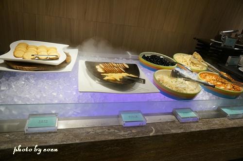 金典酒店早餐13.JPG