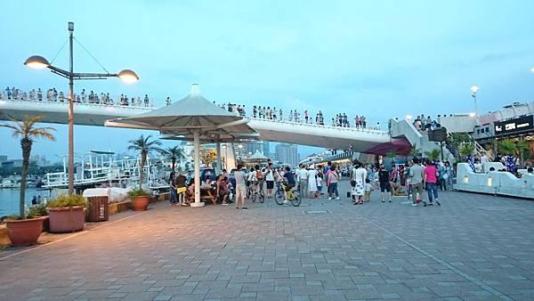 漁人碼頭騎腳踏車5.JPG