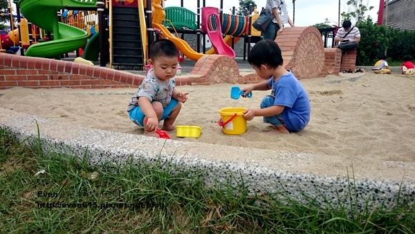 桃園文中北路公園08-20150607.JPG