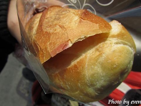 夏卡爾牛奶麵包3.jpg