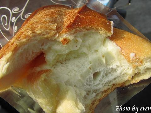 夏卡爾牛奶麵包4.jpg