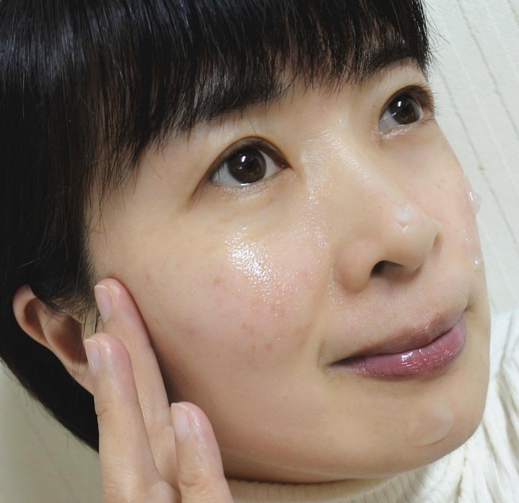 高純度玻尿酸潤白水凝霜8.jpg