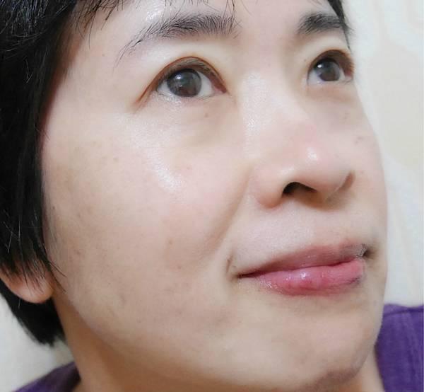 肌研極潤金緻高效保濕精華乳6.jpg