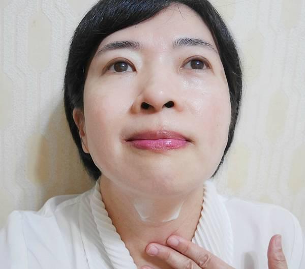 煥妍金萃保濕柔軟乳液5-1.jpg