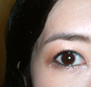 右眼閃亮耀眼的妝感1.JPG