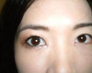 右眼上妝,左眼沒上妝是不是差很多呢.JPG