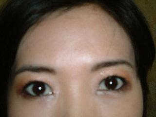 兩眼眼妝終於都完成了耶.JPG