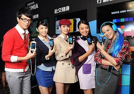 Nokia Lumia 800和Lumia 710均搭載全新平台.JPG