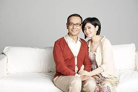 2011.12.02_044-sofaS.JPG