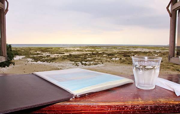 浜邊的茶屋—窗外景色美不勝收.JPG