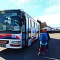 由阿蘇站出發的九州橫斷巴士,準備前往由布院.JPG