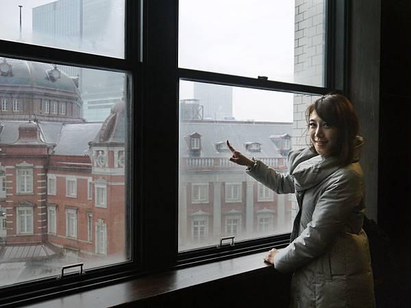 從以前的東京郵政總局局長室可以眺望東京車站.jpg