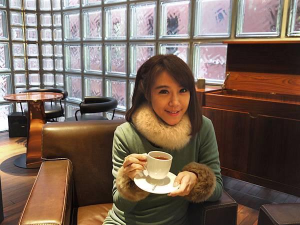 在愛馬仕喝咖啡體驗當貴婦的感覺.jpg
