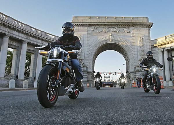 Project LIVEWIRE哈雷電動摩托車 橫跨三大洲 探索騎士內心期望