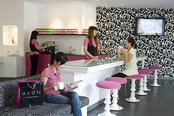 雅芳對顧客的服務是發自內心的熱忱