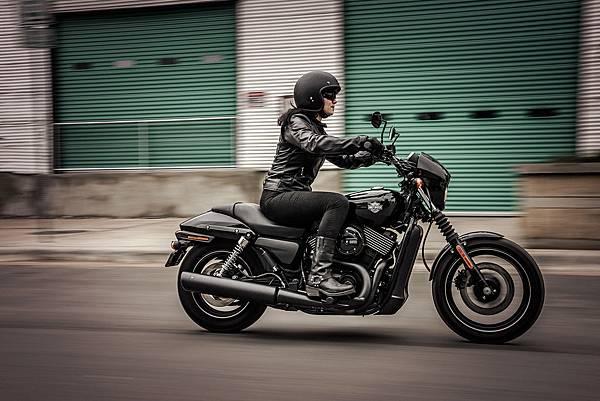 MY 2016 Harley-Davidson Street 750 騎乘照
