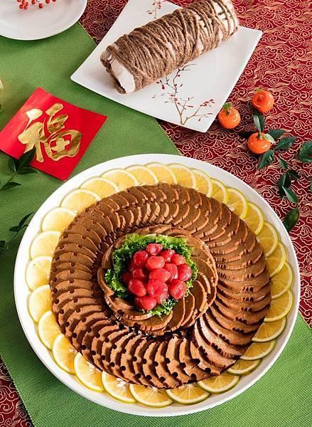 圓山飯店今年特別將當年客製給蔣夫人和貴賓的年節贈禮_羅漢素火腿納入年菜外帶品項