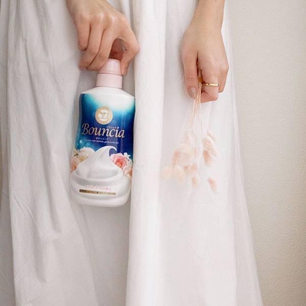 牛乳石鹼 Bouncia沐浴乳 20202夏季新聞稿附件二-2(Bouncia美肌滋潤沐浴乳-愉悅花香)