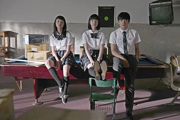 01-哈囉少女(双喜電影)左起-王渝屏-劉主平-宋柏緯