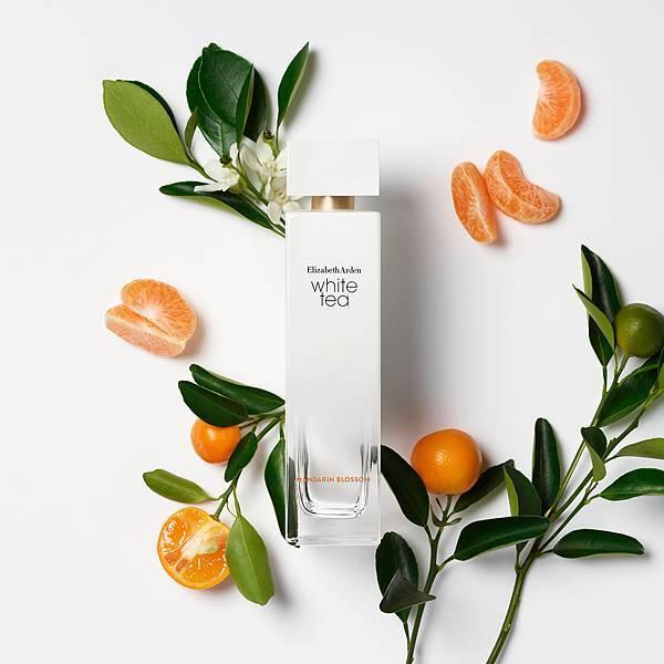 伊麗莎白雅頓「白茶花漾甜橘淡香水」,2020年8月上市(產品+情境)