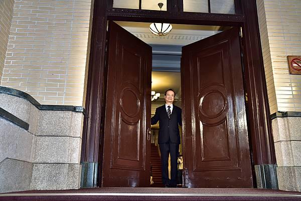 司法院長許宗力開啟司法院大門