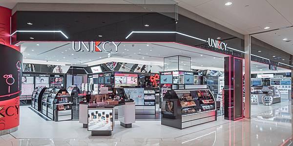 UNIKCY以「年輕、時尚、獨特」為品牌定位,同時提供專業彩妝諮詢與護膚服務,打造引領