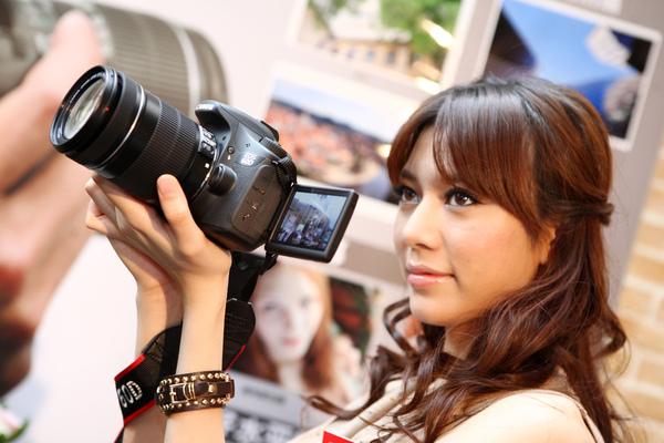 圖說三 Canon EOS 60D內建首創的4種創意濾鏡,拍攝者可以在拍攝完影像後即時在相機內進行相片的簡單編修。.JPG