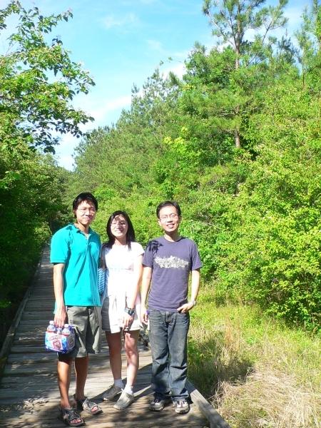 被太陽晒昏的三個人
