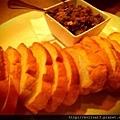 麵包佐西班牙醃菜