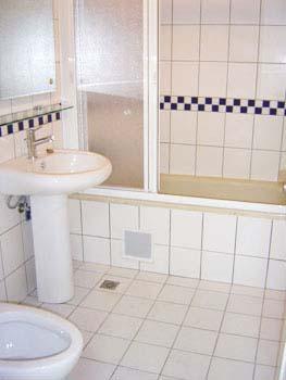 bath_2.jpg