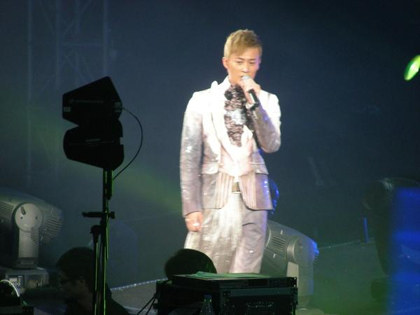 而林先生雖然他的表演沒很HIGH 但我卻看到哭了....