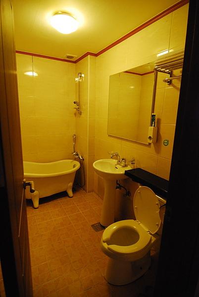 衛浴設備 地板也有地熱!