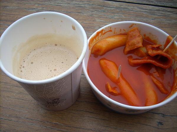 雪嶽山 很貴辣炒年糕+咖啡