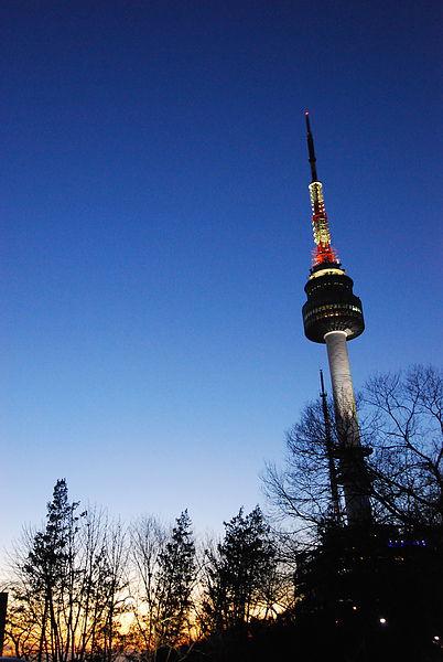 今天超冷!!!可是想說是最後一天 就上首爾塔看夜景!~~ 推~!!