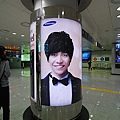 一進入韓國就看到李昇基