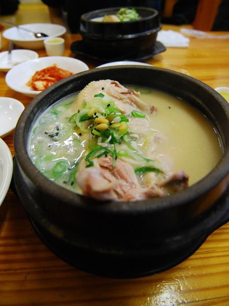 民俗村蔘雞湯