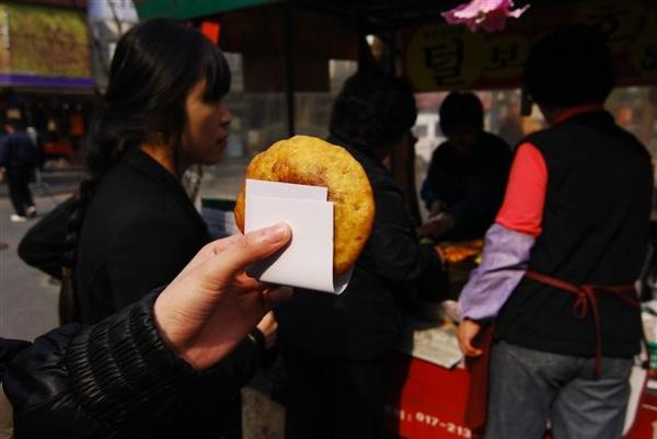 有名的仁寺洞黑糖餅